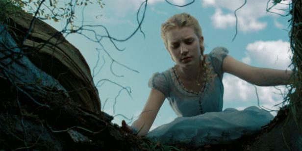 Filmes na TV: Hoje tem Alice no País das Maravilhas e Argo