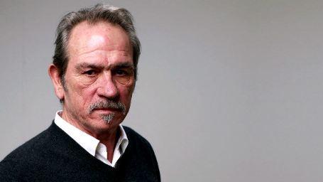Tommy Lee Jones se junta a Gary Oldman e Kevin Costner no thriller Criminal