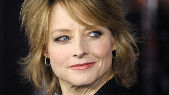 Jodie Foster se une roteirista de The Big C para criar nova comédia