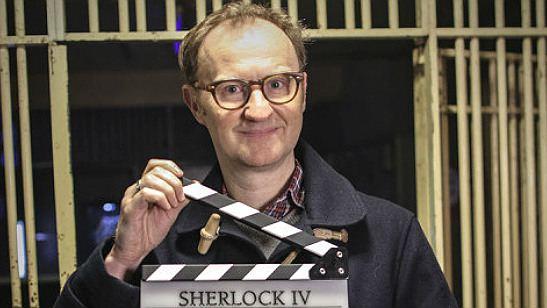 Sherlock: Mark Gatiss anuncia o início das filmagens da quarta temporada e uma grande novidade!