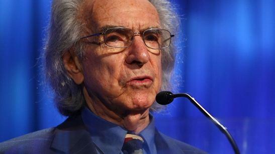 Morre Arthur Hiller, diretor de Love Story e ex-presidente da Academia