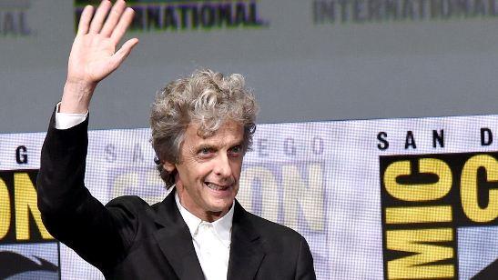 Comic-Con 2017: Peter Capaldi é ovacionado pelos fãs em painel de Doctor Who
