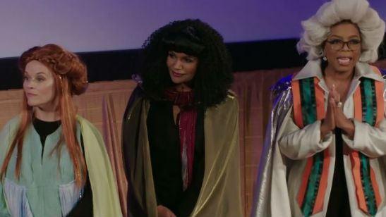 """Oprah Winfrey, Reese Witherspoon e Mindy Kaling reencenam Uma Dobra no Tempo """"em 4D no meio do cinema"""""""