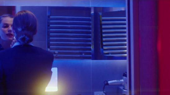 Aeromoça se desilude com o amor no trailer do romance Uma Escala Em Paris (Exclusivo)