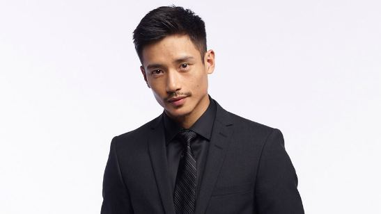 Manny Jacinto, de The Good Place, entra para o elenco de Top Gun: Maverick