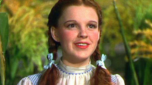 Liza Minnelli aprova musical inspirado em Judy Garland