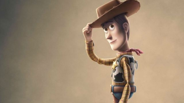 Toy Story 4: Tom Hanks divulga foto de sua última gravação como Woody