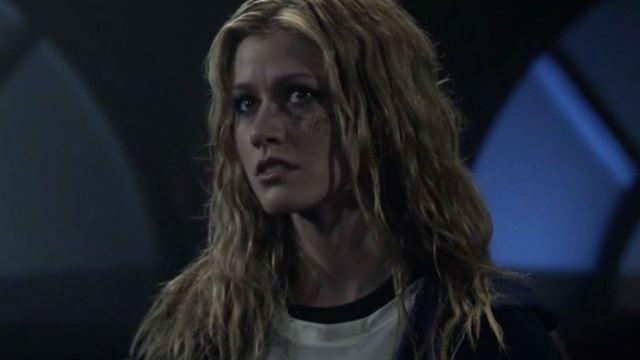 Arrow: Katherine McNamara comenta chocante revelação sobre sua personagem