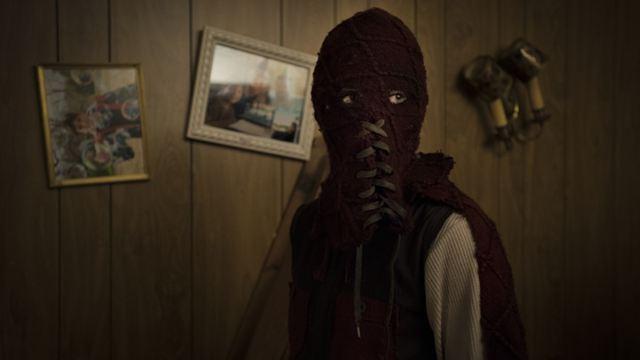 Brightburn: Super criança do mal aterroriza garçonete em clipe para maiores