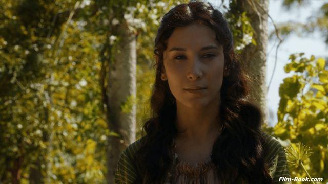 Atriz de Game of Thrones ajuda a resgatar mulheres obrigadas a se casar