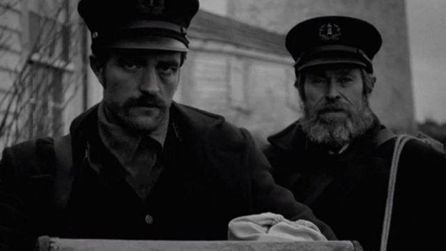 The Lighthouse: Suspense de Robert Pattinson e Willem Dafoe ganha novo trailer cheio de tensão