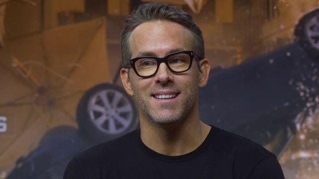"""Esquadrão 6: """"Eu me sinto tipo o cara velho do grupo"""", brinca Ryan Reynolds sobre bastidores do filme (Entrevista Exclusiva)"""