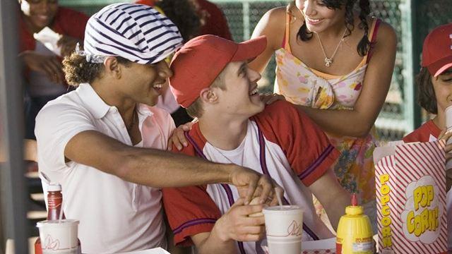 High School Musical: Lucas Grabeel participa da série e diz que a sexualidade de Ryan não tem rótulos
