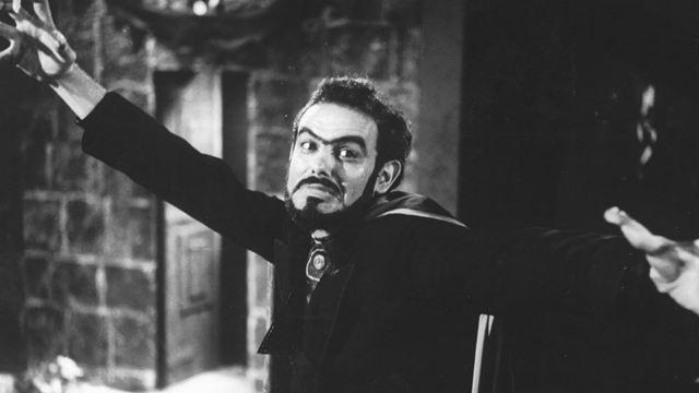 Zé do Caixão: 7 filmes essenciais do pai do terror brasileiro