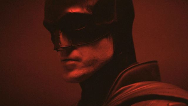 The Batman: Fotos do set revelam uniforme completo do Homem Morcego