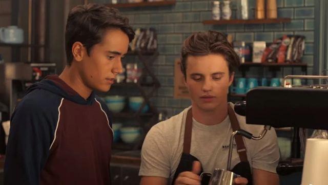 Love, Victor: Série adolescente ganha trailer e data de estreia