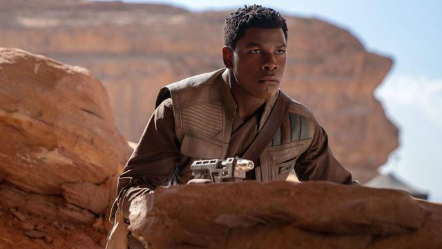 Astro de Star Wars critica Disney por privilegiar atores brancos