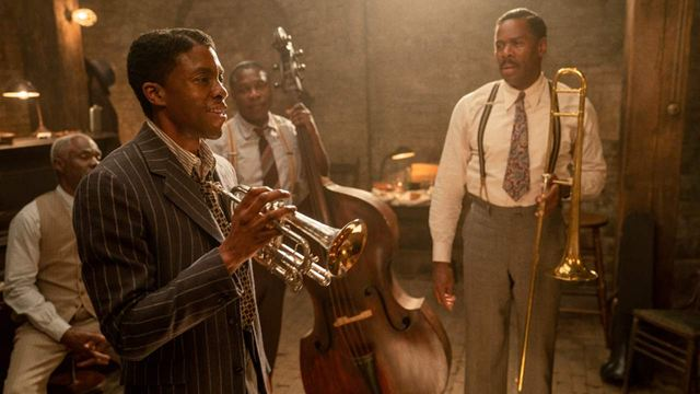 Chadwick Boseman ganha homenagem do elenco de A Voz Suprema do Blues