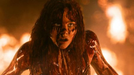 Filmes na TV: Hoje tem Carrie, a Estranha e Esposa de Mentirinha