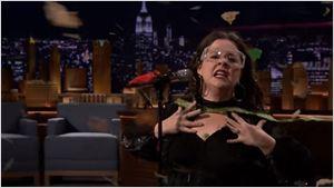 Melissa McCarthy lembra tema de Pocahontas e arrasa em incrível batalha de lip sync