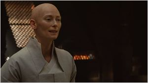 """Tilda Swinton fala sobre sua escalação em Doutor Estranho e afirma: """"Tudo isso vai ser explicado quando vocês virem o filme"""""""