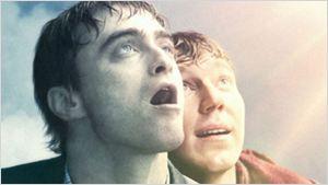 Daniel Radcliffe e Paul Dano chegam ao céu em novo cartaz de Swiss Army Man