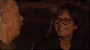 Exclusivo: Susan Sarandon e J.K. Simmons flertam em clipe da comédia A Intrometida