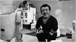 Morre aos 81 anos Kenny Baker, o ator por trás de R2-D2