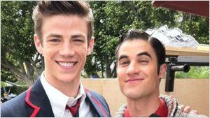 Virou reunião de Glee! Darren Criss será o vilão do crossover de The Flash e Supergirl
