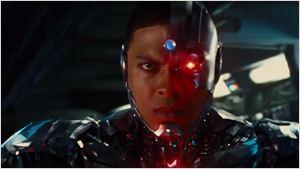 Liga da Justiça: Ciborgue apresenta seus poderes em pôster e comercial de TV