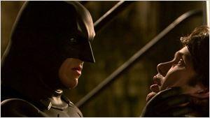 Filmes na TV: Hoje tem Batman Begins e Meu Namorado é um Zumbi