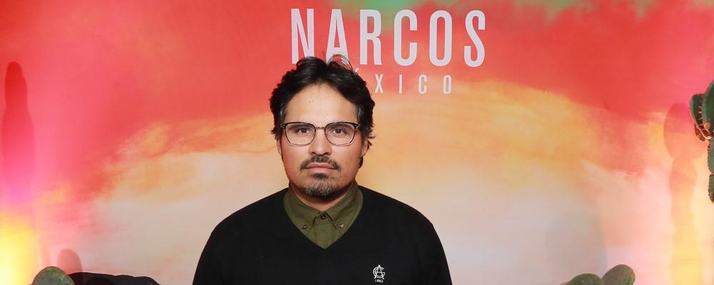 Tem Na Web - Narcos: México - Michael Peña e Eric Newman explicam como a nova temporada se difere das anteriores e aquela surpresa do episódio 5 (Entrevista exc