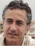 David Strathairn