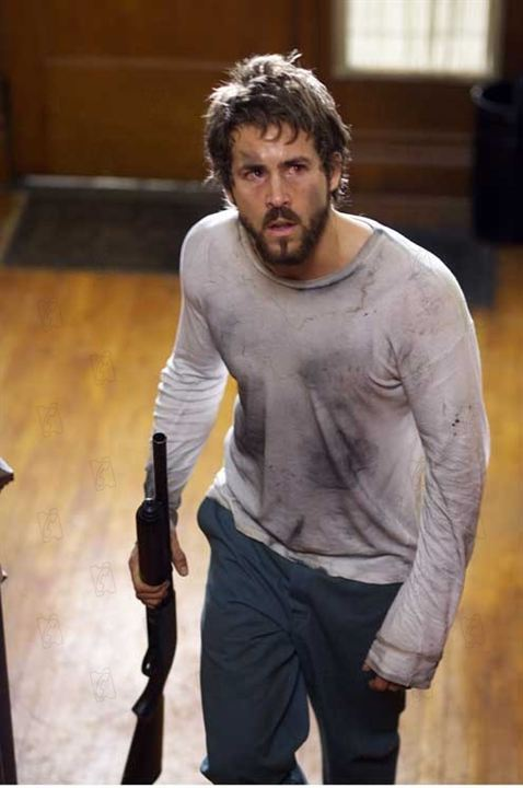 Horror em Amityville: Andrew Douglas, Ryan Reynolds