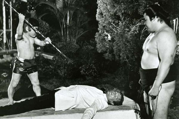007 Contra o Homem com a Pistola de Ouro : Foto Hervé Villechaize, Roger Moore