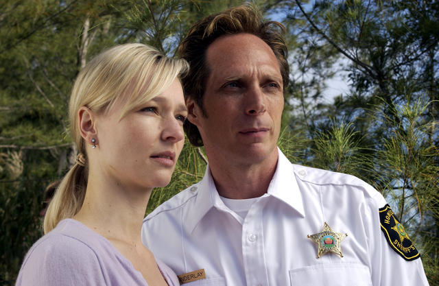 Invasion : Foto Kari Matchett, William Fichtner