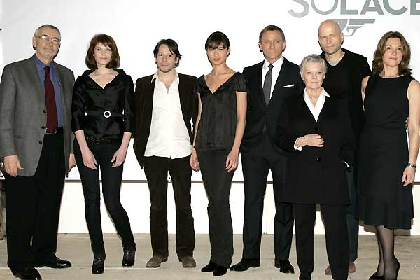 007 - Quantum of Solace : Vignette (magazine) Barbara Broccoli, Daniel Craig, Gemma Arterton, Giancarlo Giannini, Judi Dench
