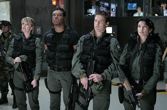 Stargate SG-1 : Foto Amanda Tapping, Ben Browder, Christopher Judge, Claudia Black