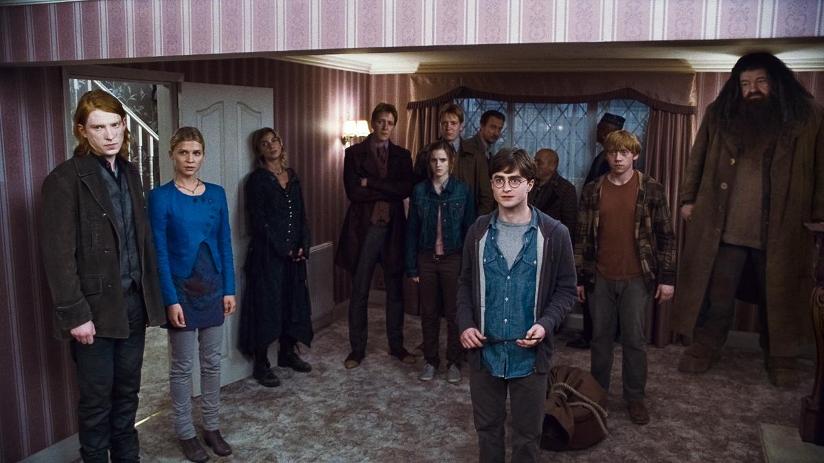 Harry Potter e as Relíquias da Morte - Parte 1 : Foto Clémence Poésy, Daniel Radcliffe, Domhnall Gleeson, Emma Watson, James Phelps