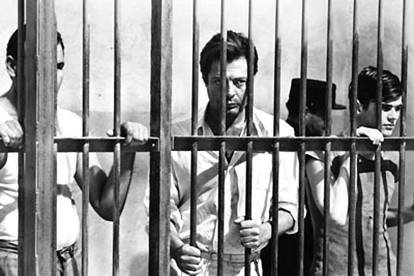 O Estrangeiro : Foto Luchino Visconti, Marcello Mastroianni