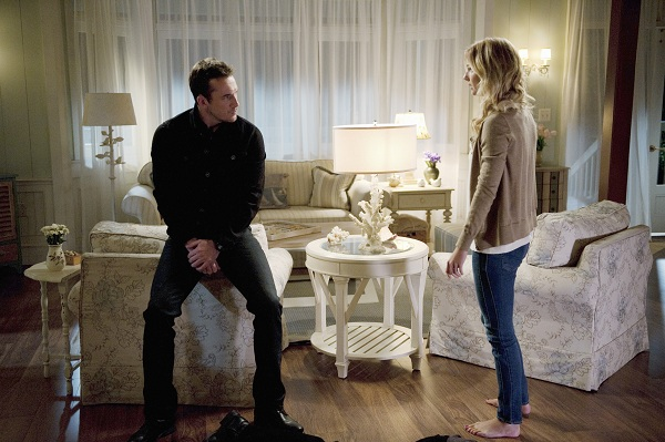 Foto Barry Sloane, Emily VanCamp