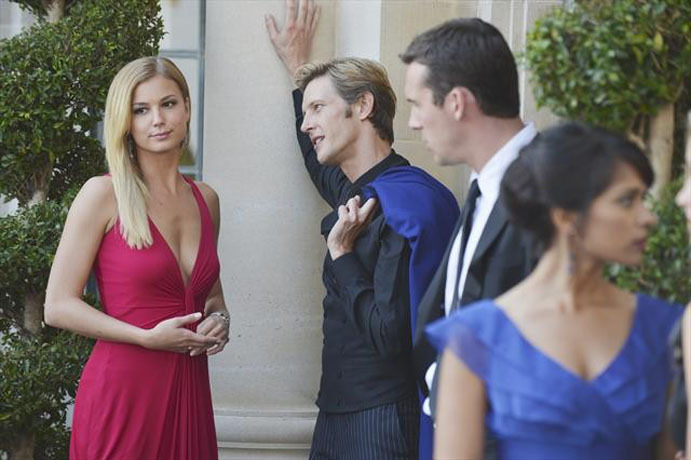 Foto Barry Sloane, Dilshad Vadsaria, Emily VanCamp, Gabriel Mann