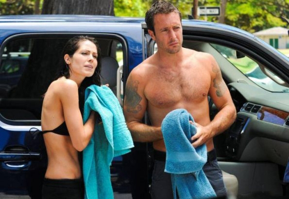 Foto Alex O'Loughlin, Michelle Borth