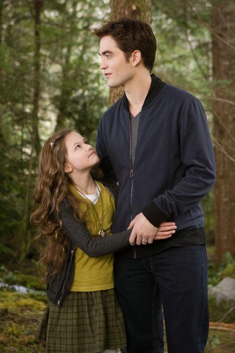 A Saga Crepúsculo: Amanhecer - Parte 2 : Foto Mackenzie Foy, Robert Pattinson