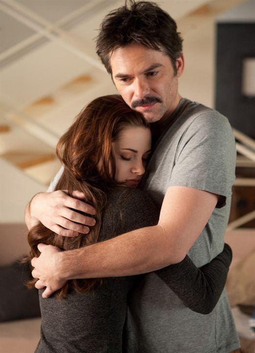 A Saga Crepúsculo: Amanhecer - Parte 2 : Foto Billy Burke, Kristen Stewart