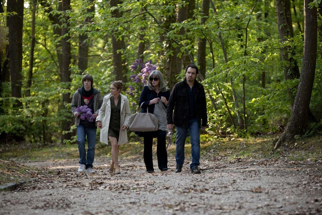 Foto Alexandre Astier, Isabelle Adjani, Julie-Anne Roth, Victor Chambon
