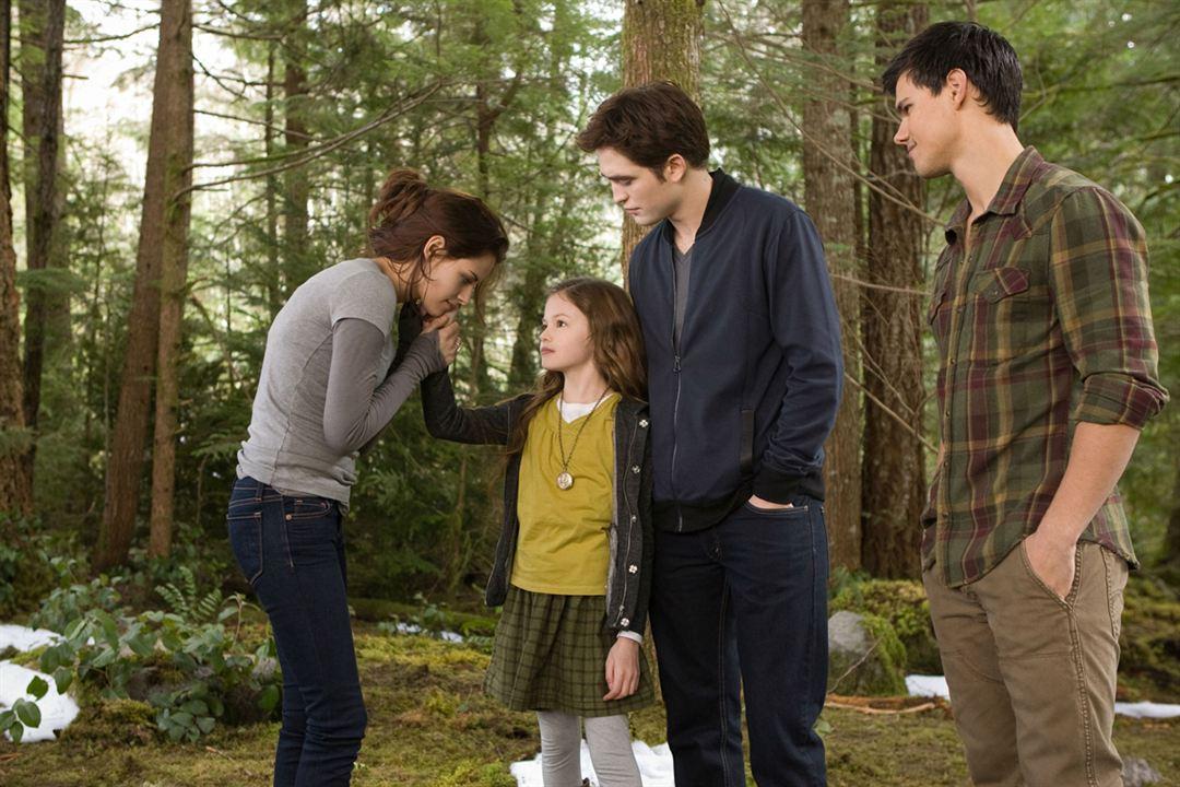 A Saga Crepúsculo: Amanhecer - Parte 2 : Foto Kristen Stewart, Mackenzie Foy, Robert Pattinson, Taylor Lautner