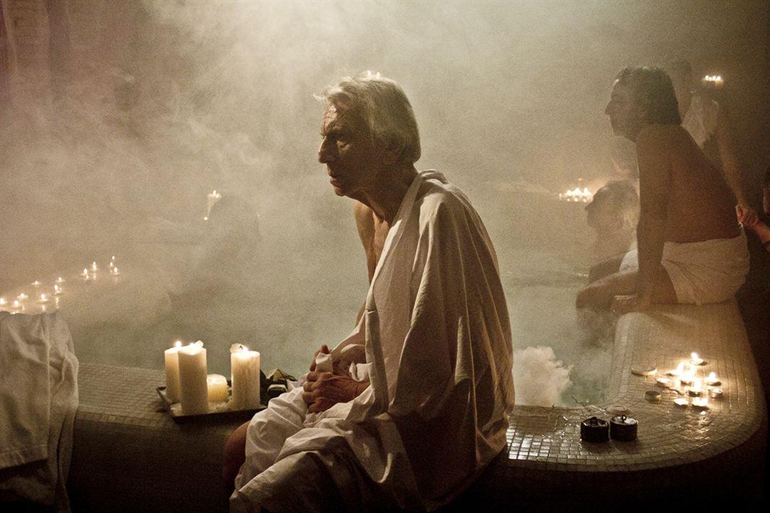 A Bela que Dorme : Foto Toni Servillo