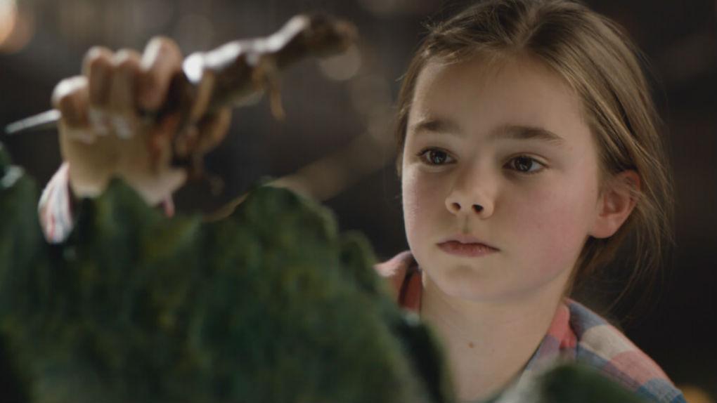 Isabella Sermon - Jurassic World: Reino Ameaçado