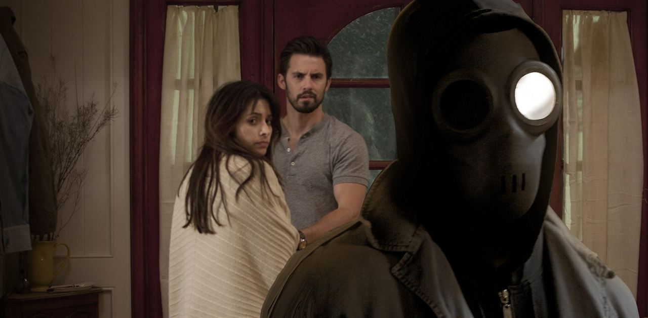 Static : Photo Dominic Bogart, Milo Ventimiglia, Sarah Shahi